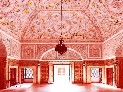 La splendide salle du Palais de la Rose