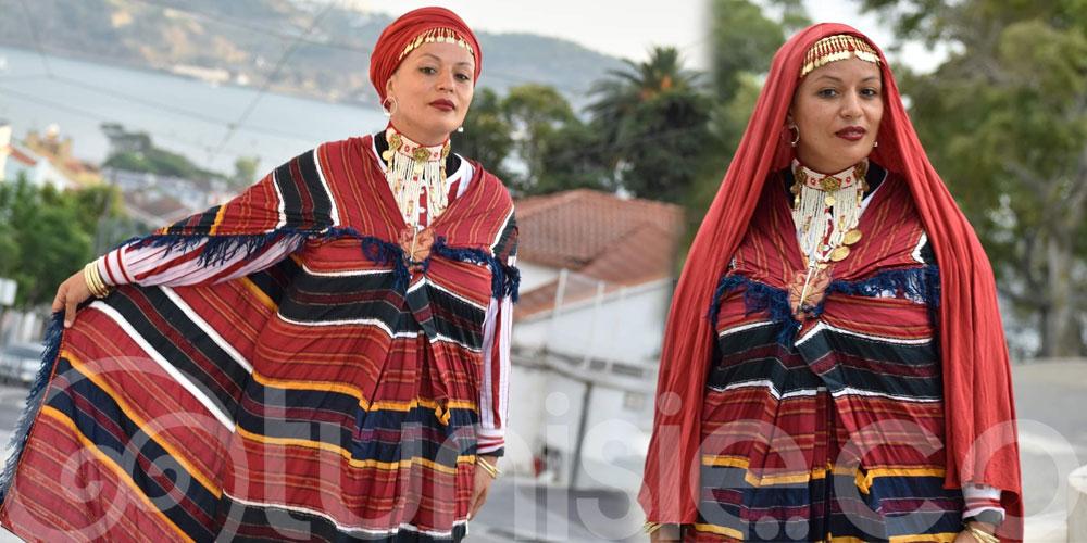 Samia Orosemane sublime en tenue Djerbienne dans les rues de Lisbonne