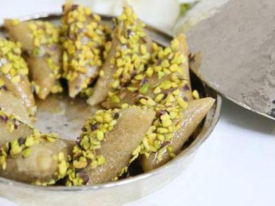 Découvrez la Samsa revisitée : une recette à base de banane, Toblerone et noix de coco
