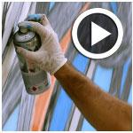 En vidéos : Le graffeur El Seed réalise une oeuvre à la Marsa pour la bonne cause