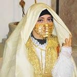 En photos : Quand les femmes Tunisiennes décorent les rues de la médina avec le Sefsari