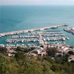 Un million de dinars pour la mise à niveau du port de Sidi Bou Said
