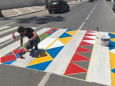 En photos : Les passages piétons prennent des couleurs à Sousse