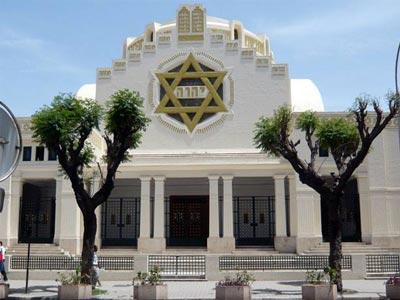 Regards sur l'histoire de la grande synagogue de Tunis avec Hatem Bourial, le 21 décembre