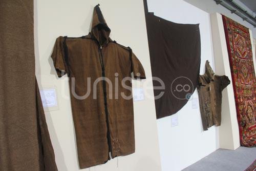 Exposition de pièces rares de tissage et de tapis à la foire du Kram 2012