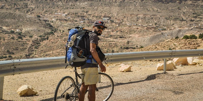 En Photos : Tarek Laabidi en vélo du village fantôme Zéraoua, à Ksar Hallouf en 24 h