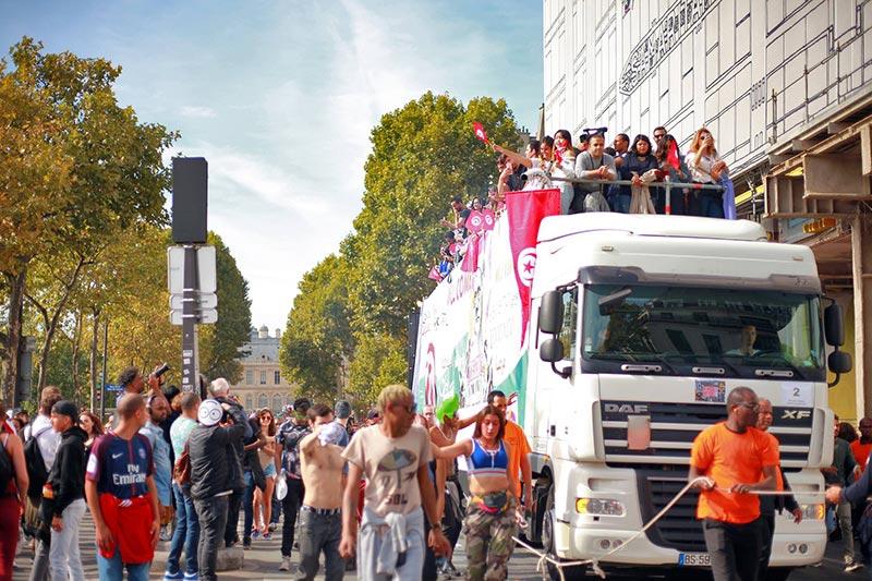 Carthage sur Seine, revivez la Techno Parade de Paris avec le char tunisien