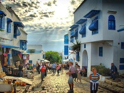 Augmentation de 40% des touristes français visitant la Tunisie d'ici fin 2017