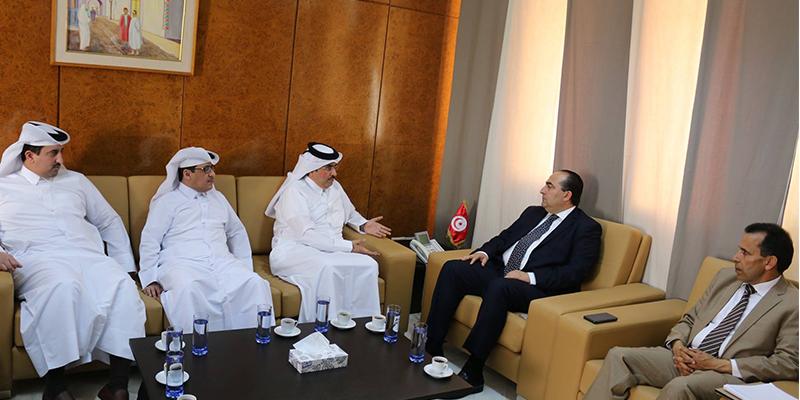وزير النقل يتدارس سبل دعم التعاون مع قطر في مجال النقل الجوي