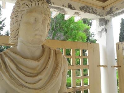 En Photos : La campagne de nettoyage du musée archéologique d'Utique