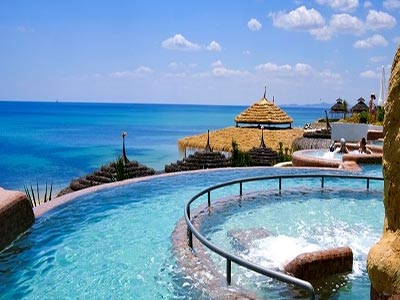 Les incontournables thalasso avec piscines extérieures pour une pure détente pendant l'été