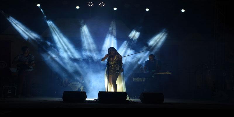 مهرجان حلق الوادي: انطلاقة مشرفّة بكمنجة ياسمين عزيّز