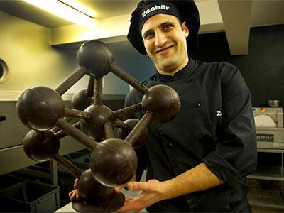 En vidéo : Découvrez le maître chocolatier d'origine Tunisienne basé à Bruxelles