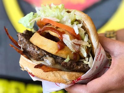 10 bonnes adresses où manger un vrai hamburger à Tunis