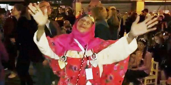 Khalti Mbarka enflamme les rues Belges